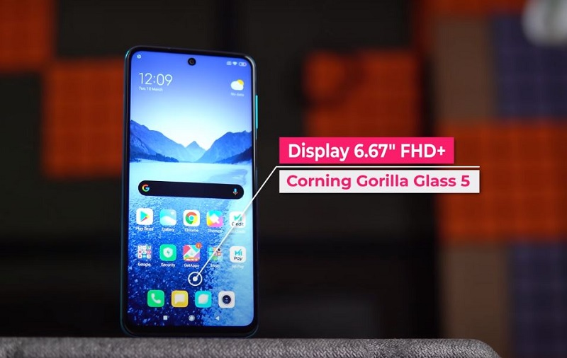 Front look and screen specs