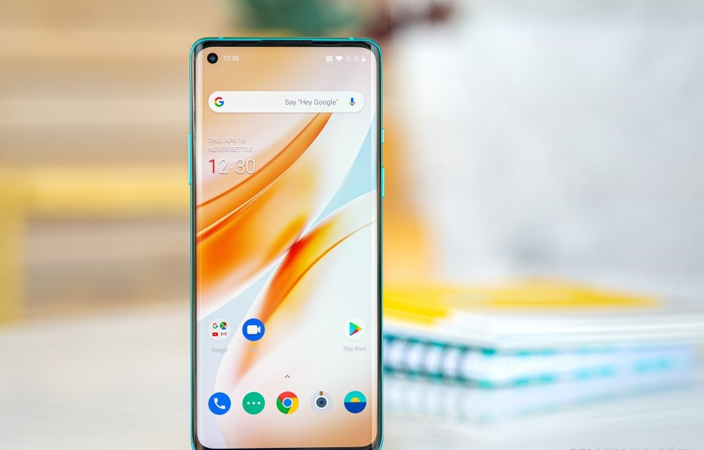 front design and display of oneplus 8