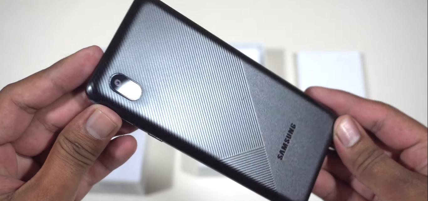 Samsung Galaxy M01 core design